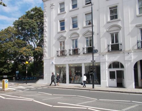 emilia_wickstead_womenswear_shop_london